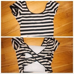 Tops - Striped black and white crop top